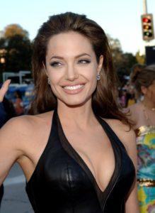 Angelina Jolie en cuir