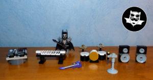 Batcave Lego concert instruments de musique
