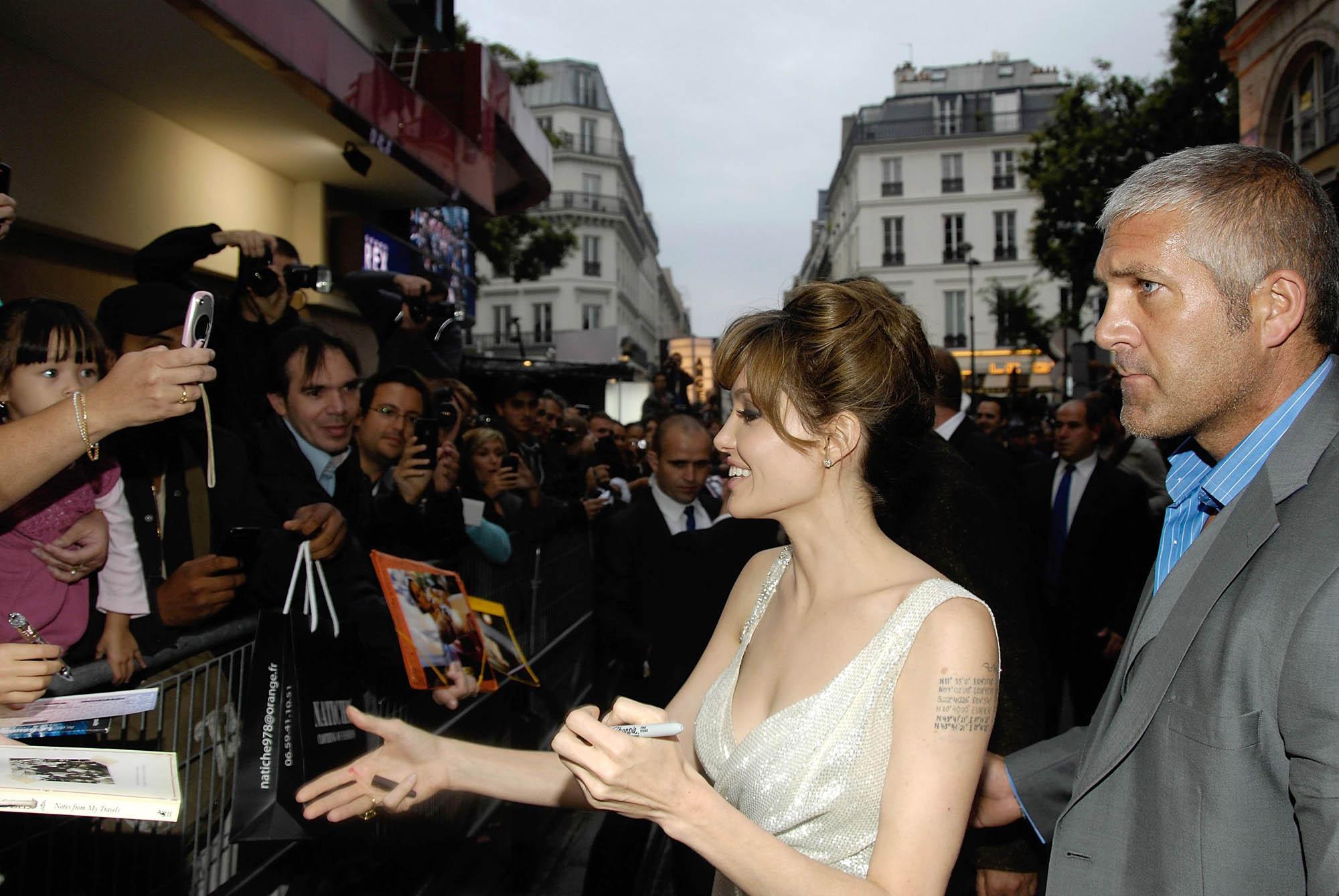 Angelina Jolie avant-première Salt Grand Rex Paris dédicace
