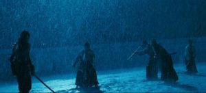 Ninja Scott Adkins chantons sous la pluie