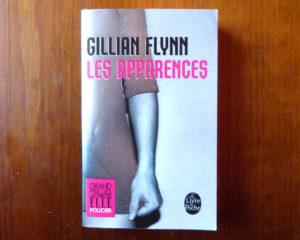 Couverture roman Les apparences Gillian Flynn Le Livre de Poche