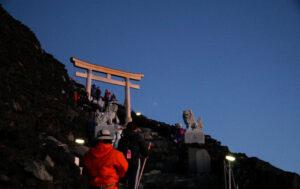 Fuji nuit torii